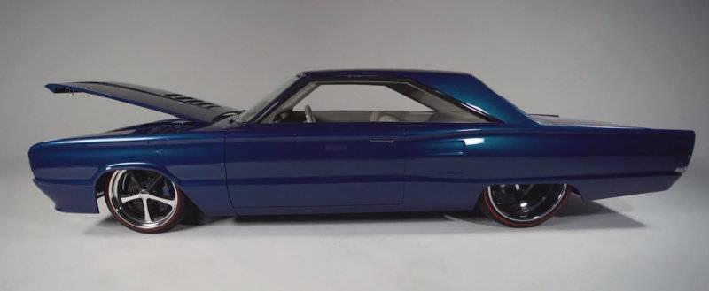 Motor-Heads Unite!: The Red Elephant- 1953 GM Futurliner  |Bitchin Rides Challenger Interior
