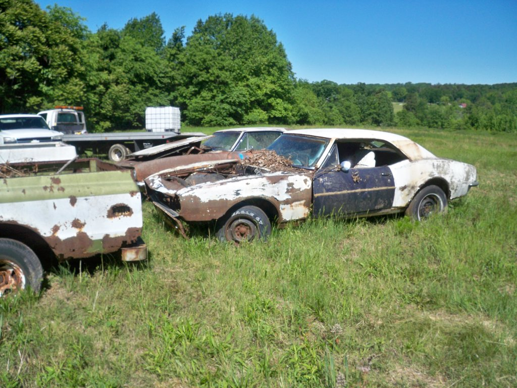Another Old Junkyard Getting Crushed Out For A Bodies Only Mopar Forum