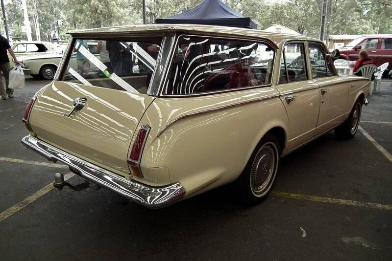 1963_Chrysler_AP5_Valiant_Safari_station_wagon_(6335330003).jpg