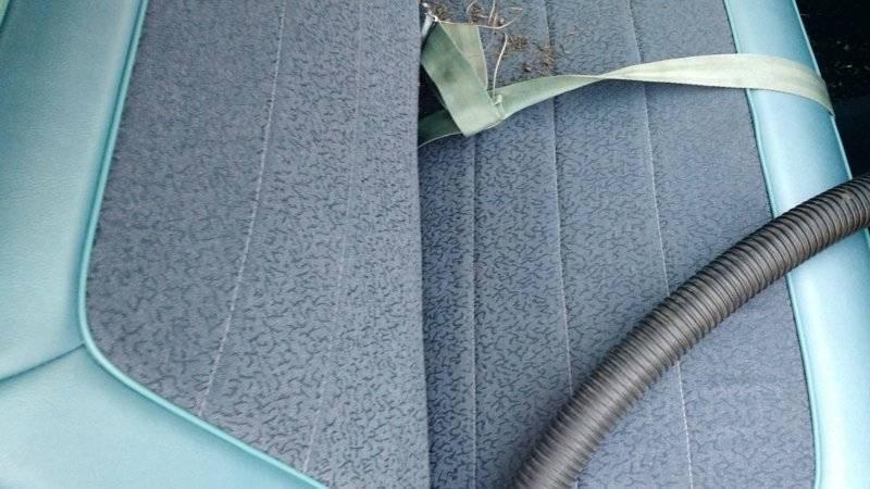 1965-Dodge-Dart-sete-teppe-rusk-støvsugd-g.jpg