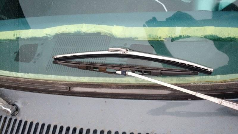 1965-Dodge-Dart-Trico-33-150-windshield-blades-b.jpg