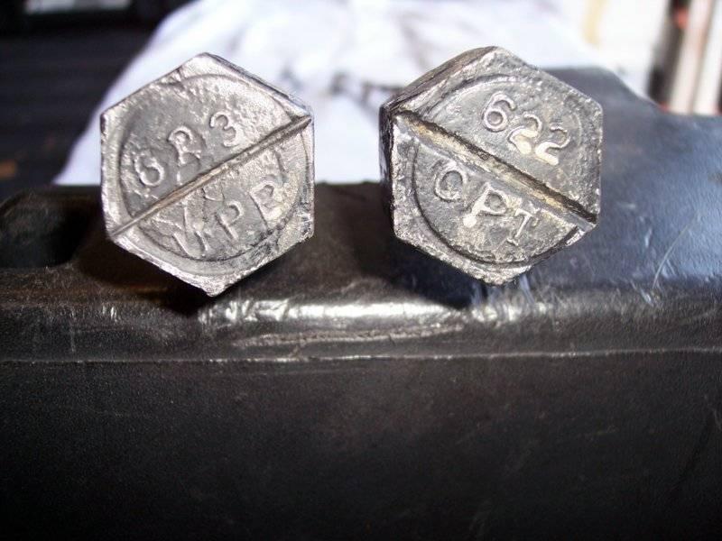 622-623 Slant 6 torsion bars-3.jpg