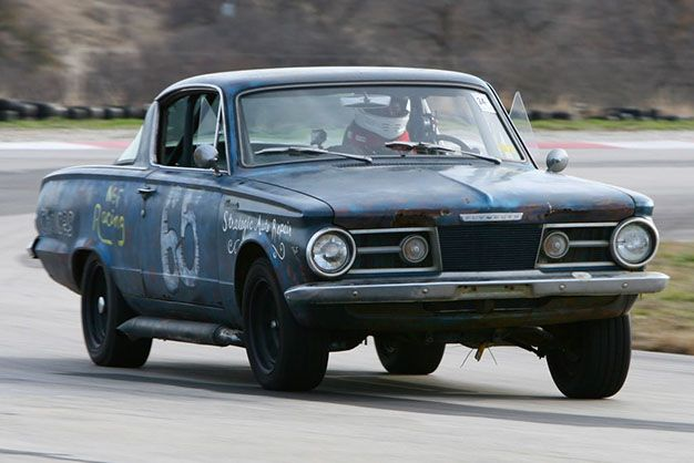 65-Plymouth-Barracuda-17-1960s-Detroit-Cars-in-the-24-Hours-of-LeMons.jpg
