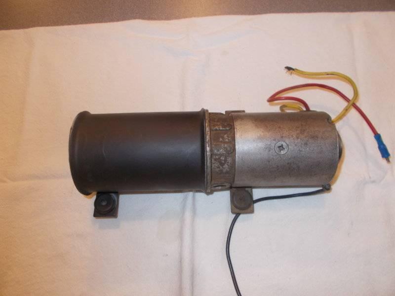 65 Valiant Convertible Pump 001.JPG