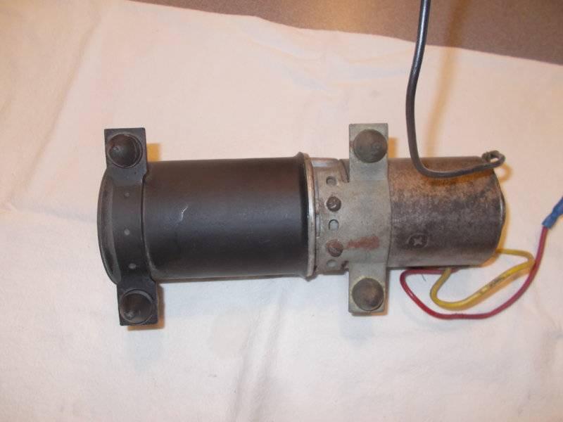 65 Valiant Convertible Pump 002.JPG