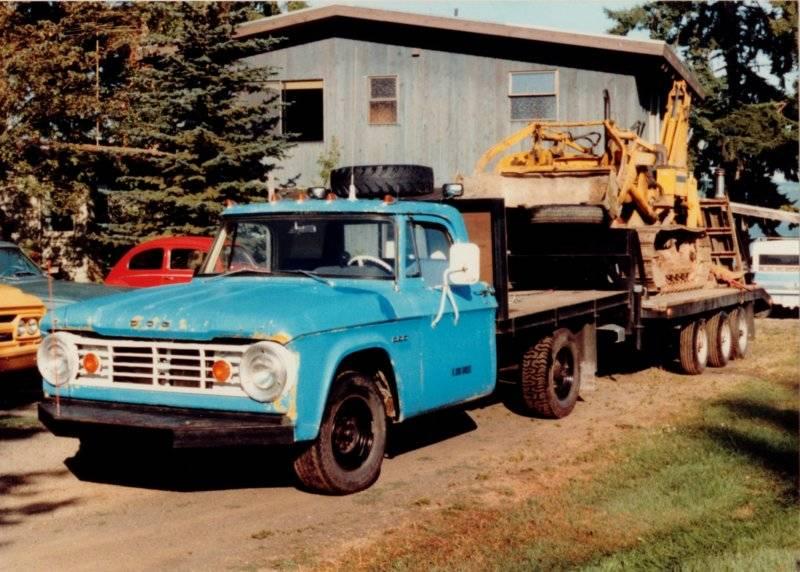 67_Dodge_66_GMC_66_Valiant_59_Volkswagen_73_Chevy_Case_backhoe_Poulsbo.jpg