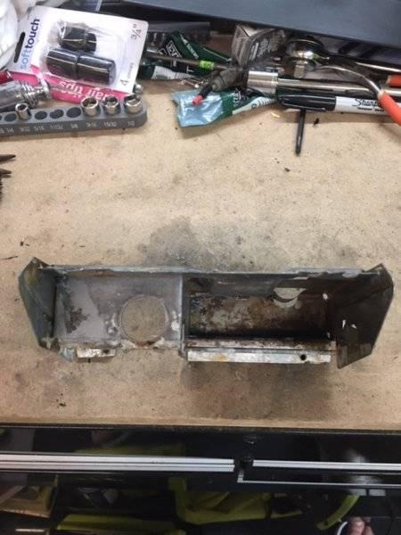 72 dart a body ash tray lighter holder frame.JPG
