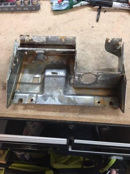 72 dart a body ash tray lighter holder frame2.JPG