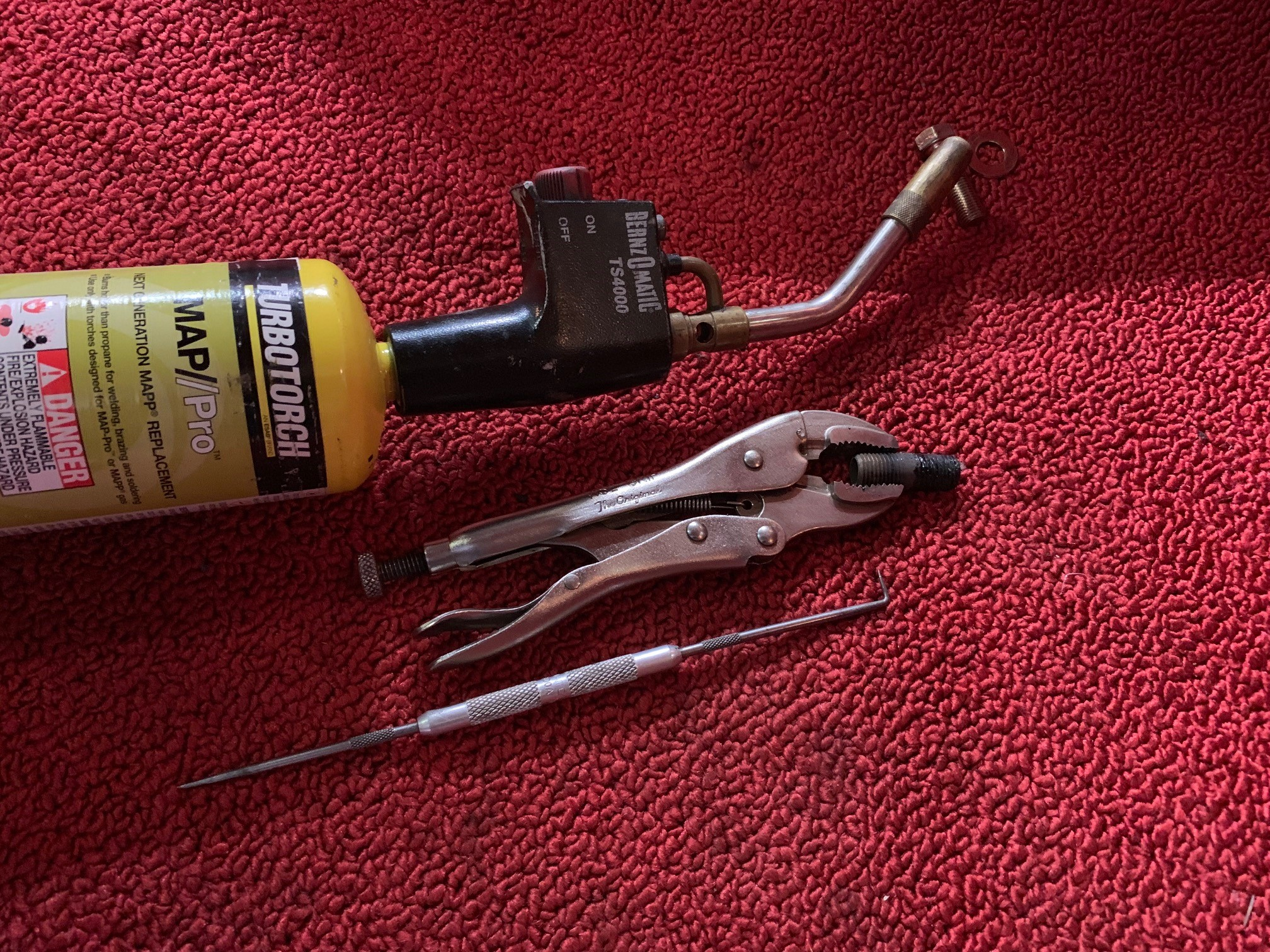 carpet tools.jpg