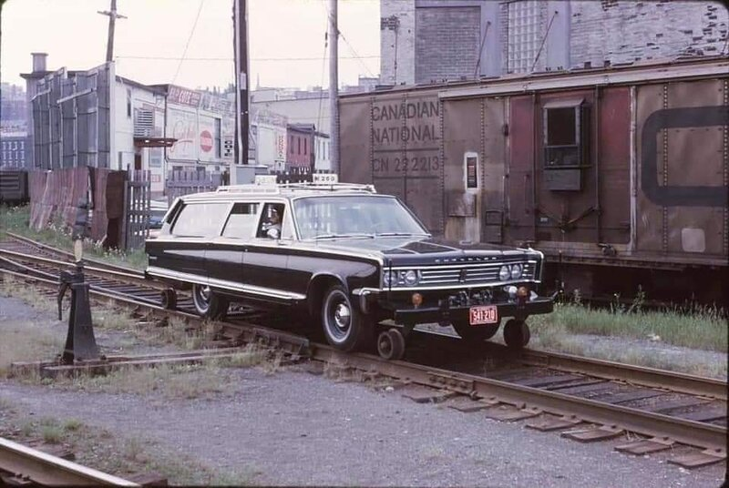 Chrysler rail wagon..jpg
