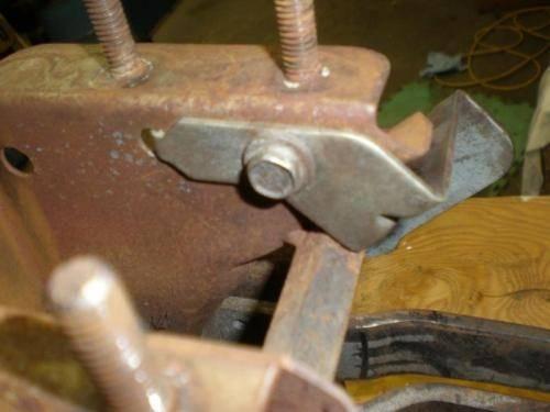 Clutch Pedal Spring 2-2.jpg