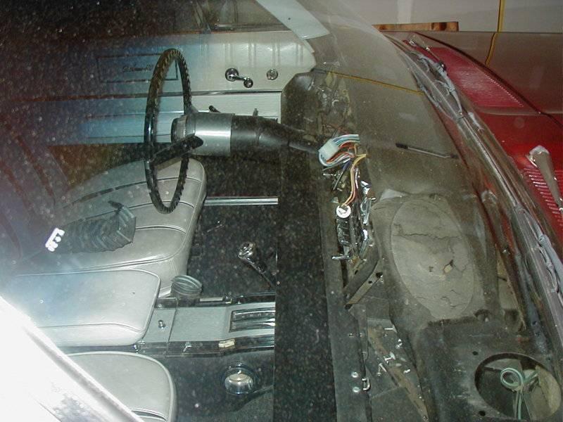 Dash striiped windshield.JPG
