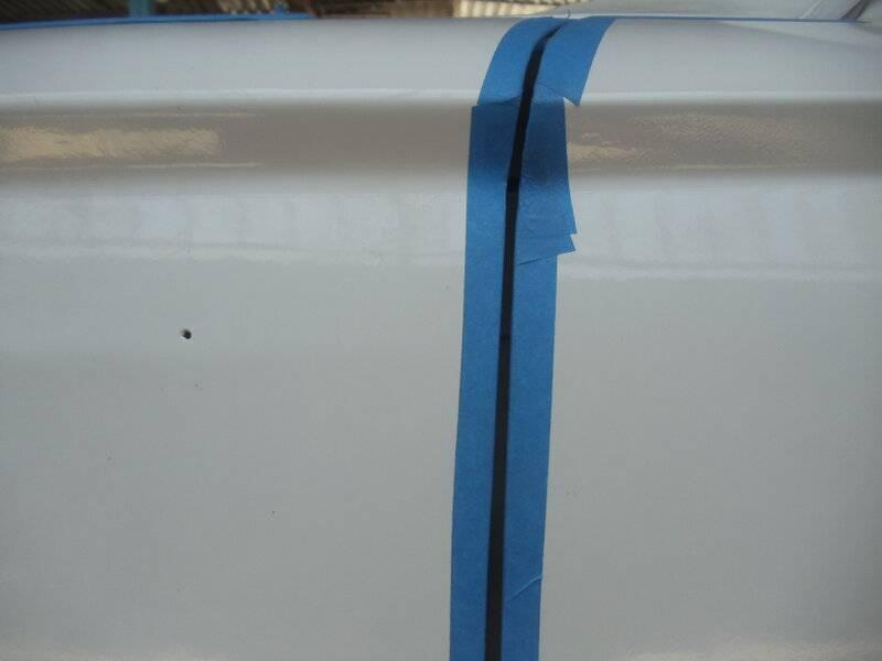 Driver Door top of fender.JPG