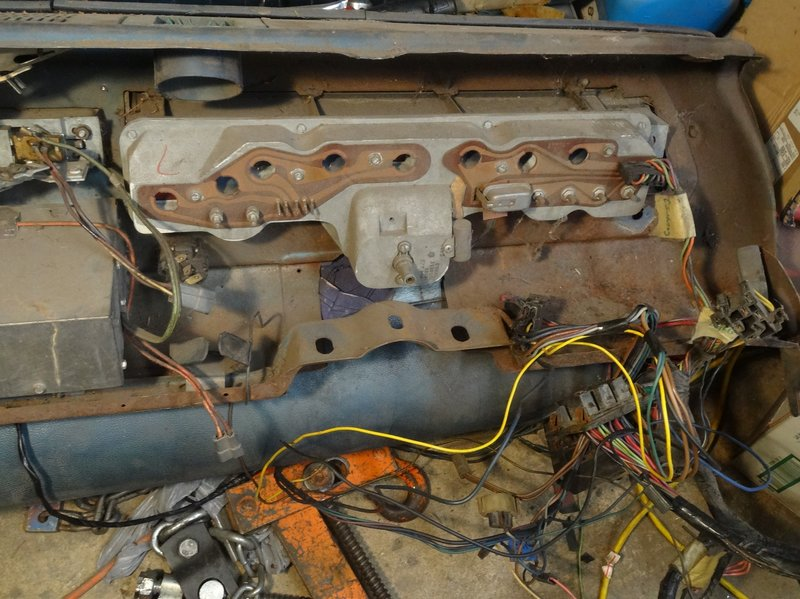 1970 Dodge Dart Dash Removal