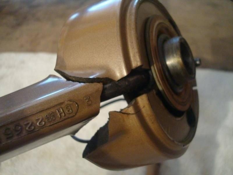 Early A Steering Wheel R&I 14-10.jpg