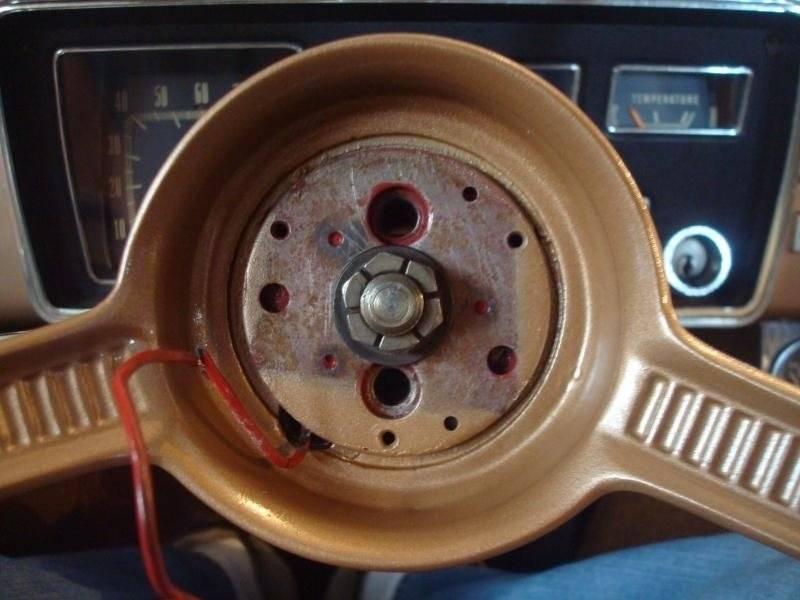 Early A Steering Wheel R&I 5-1.jpg