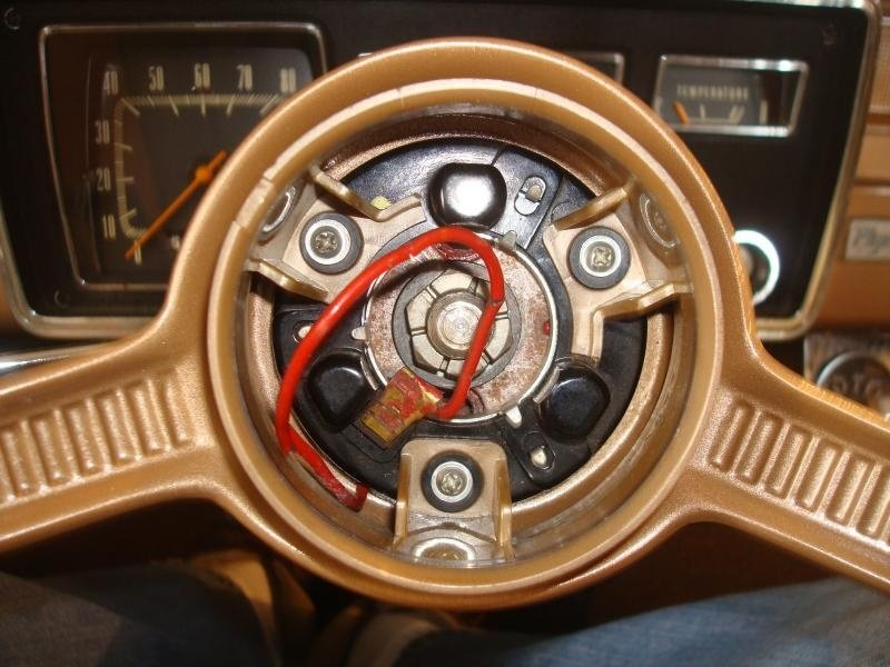 Early A Steering Wheel R&I 6-2.jpg