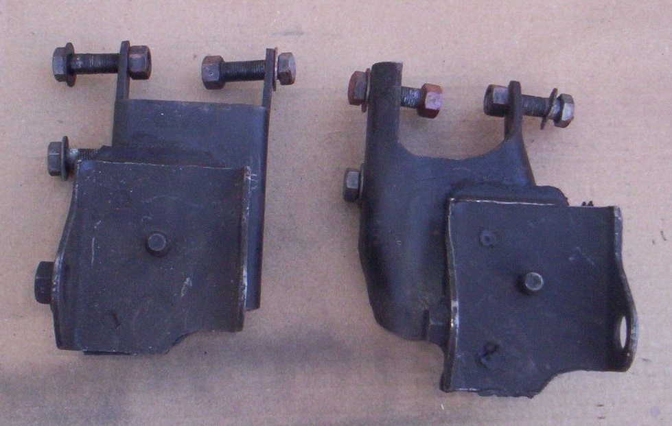 motor mount brackets 318 B.jpg
