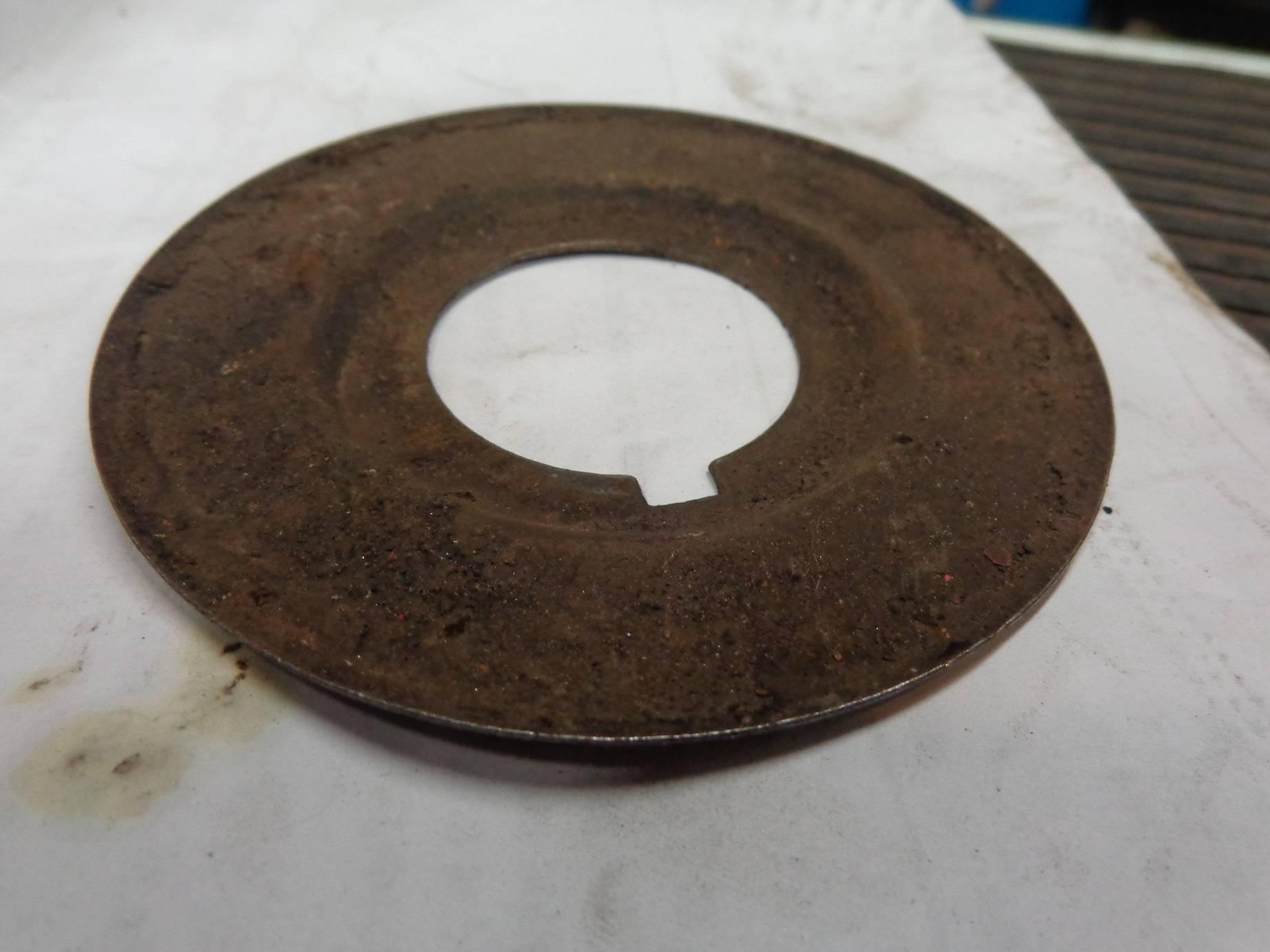 Oil Slinger Front 02 B.jpg