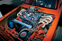 p135542_large-1965_Dodge_Dart-Engine_Bay_View.jpg