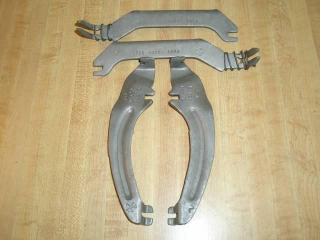 Parking Brake Levers & Strurs 001 (Small).JPG