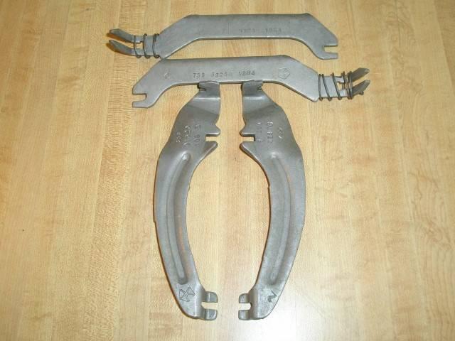 Parking Brake Levers & Struts 001 (Small).JPG