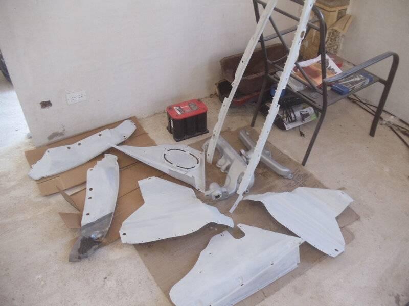 splash shields etc painted white.JPG
