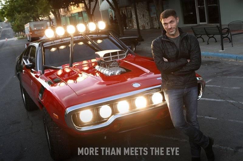 Travis-Knight-Decepticon-Car-Bumblebee-Movie.jpg