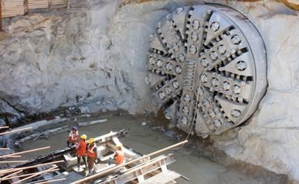 tunnel-boring-machine-2-manu_bahuguna.jpg